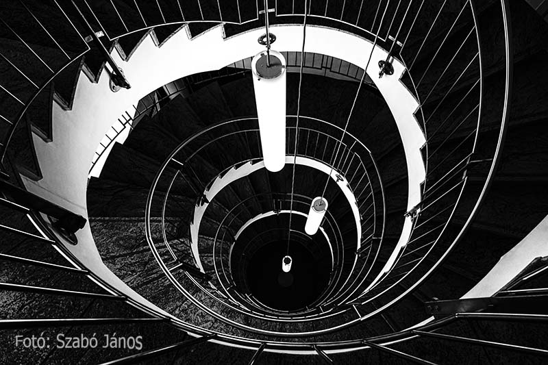 Janos Szabo - Curves of stairs