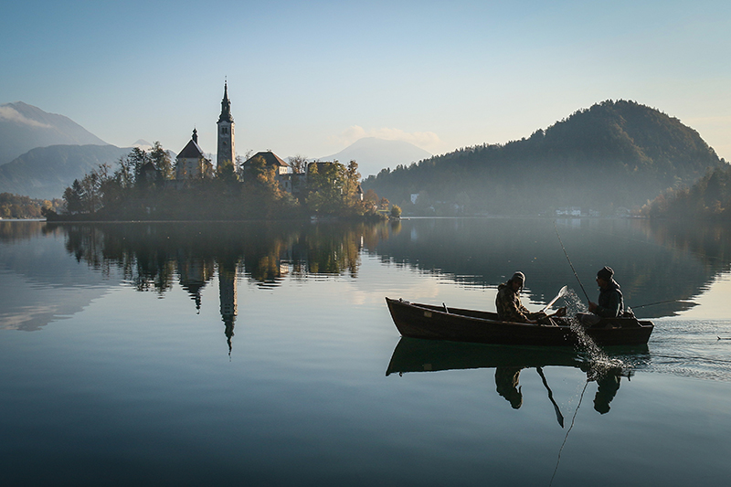 Szepesi Julianna - Early morning at Lake Bled